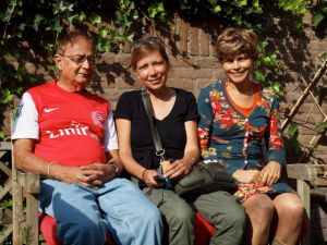 Deva, Nancy en Sheila Ghosh